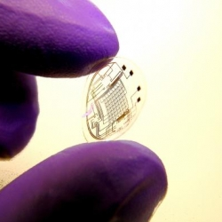 Contact lenses with circuits, lights a possible platform for superhuman vision