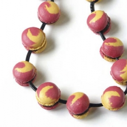 "Directed by Christophe Roussel, this necklace made with ""french macarons"" is completely edible !"