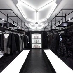 Hong Kong's Causway Bay is the new home to one of the country's most contemporary and avant-garde fashion shops. Shine, designed by Architect Nelson Chow.