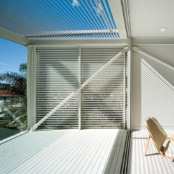 ANG House by Chenchow Little Architects. White and light steel villa in Sidney.