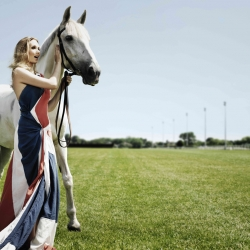 British opera star Natasha Marsh is set to prick the ears of her most eclectic audience yet - a stable full of racehorses, who will be treated to unique operatic recitals before competitive races at Kempton Park.