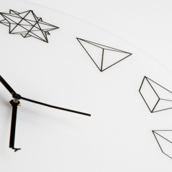 The new minimalistic Solid Ho clock by  Paula Collective exhibits the time in an unorthodox manner, by replacing the standard numerals we all love and depend to geometric shapes.