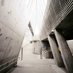 Fantastic minimalist subway station in Oslo, Norway designed by architects Jarmund/Vigsnæs and photographed by Flickr user 7deuce.