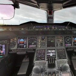 Ever wondered what it looks like inside the cockpit of the world's biggest commercial airliner, the Airbus A380? Check out the 360 degree view.