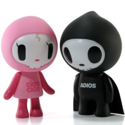 "If there's one thing that i haven't been able to shake since milan... its the phrase ciao ciao... and this is one adorable couple from TokiDoki and StrangeCo - ""adios & ciao ciao"""