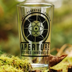 PORTAL 2 - Aperture 1940's Pint Glass