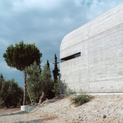 A31 architects created this Art Warehouse in Boeotia outside the home of painter and sculptor Alexandros Liapis in Dilesi, Boeotia.