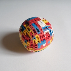 Do you know how to make a lego ball? Alexandre Giroux, young French artist, made it! (almost without cheating)