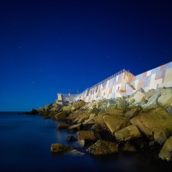 Artistic intervention in a breakwater located in A Guarda (Spain), by Artectura