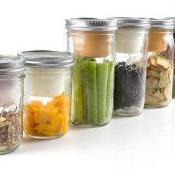 BNTO by Cuppow! turns a canning jar into a lunchbox, separating wet ingredients from dry.