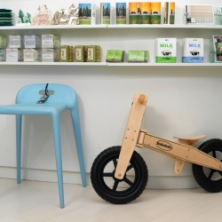 At design store Tante Guri you will not only find a big variety of design products, but you can also take a seat (on the nice bench inside or outside in the park in the summer) and enjoy a cool German soft drink or old fashion candy.
