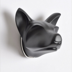 The Gathering is a collection of highly stylized beautiful animal heads by Alexander Blank that can be worn as brooches. Presently showing at the Galerie Rob Koudjis, an Amsterdam gallery for unusual jewelry designs.
