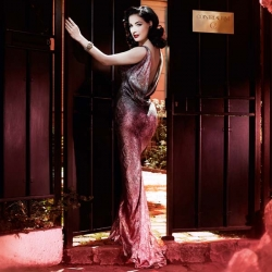 Dita Von Teese will open a private cocktail club at Paris during just one month : Cointreau Privé.