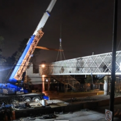How to dismantle a bridge in one night over Insurgentes street in México City. By Javier Romero.