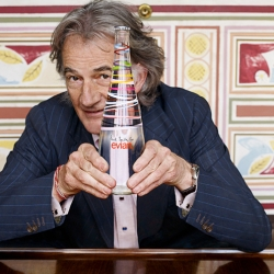New collaboration between Evian waters and Sir Paul Smith, with 5 collector caps... Soon in stores