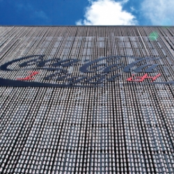 Coca-Cola has created the largest interactive banner with 15 000 Coca-Cola Light bottles.