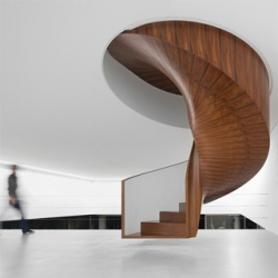 Conceived from the belief that art should be shared, Isay Weinfeld's Casa Cubo is a lodging, support center to artists and development of the arts, with facilities to serve as a home.
