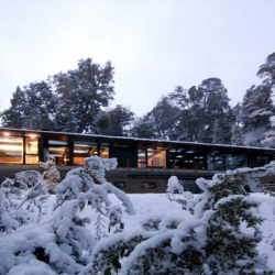 Vacation house located on the shores of Nahuelhuapi Lake, southern Argentina, near Villa La Angostura. Designed by Mathias Klotz and named Casa Techos (Roof House).