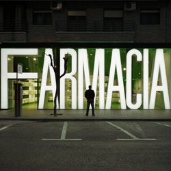 Impressive two-month renovation of Casanueva Pharmacy in Murcia, Spain by Clavel Architects which includes a prefabricated 3D-type façade that lights up.