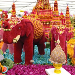 Amazing images from the various installations, sculptures and landscapes to be found at this year's Chelsea Flower Show, including a Thai temple and elephant created using 100,000 flowers.