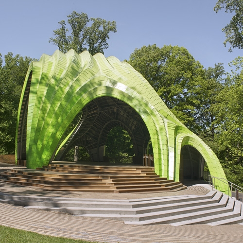 The Chrysalis is an amphitheater designed by NYC art + architecture studio MARC FORNES / THEVERYMANY that is both distinctive and camouflaged within its park surroundings.
