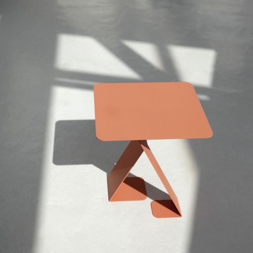 The DANCE is not your usual side table, it is designed to be different. Designed by Marc Th. van der Voorn for Ignore Amsterdam.