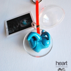 Barcelona based medical illustrator, Giselle Vitali hand sculpted these heart key chains. She moulded an anatomical heart into the shape of an iconic heart creating a unique organic design object.