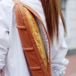 New Baguette Bag by CYAN is available on the new pre-order fashion platform Wowcracy.