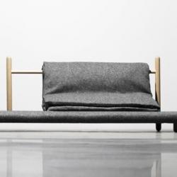 An interesting conceptual couch called Beddo by Christina Liljeberg Halstrøm is being displayed at the exhibition Designers Investigating in Øksnehallen (copenhagen).