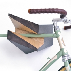Latvia based industrial designer Reinis Salins has come up with a clever and decorative way to easily mount your bike onto your wall with his new Elk Bike Hanger.