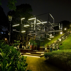 FARM Singapore created a sculptural light installation called The Tree at the National Museum of Singapore!