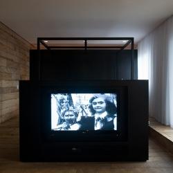 Apartement 1511 : a stylish renovation by Brazilian architects Alan Chu & Cristiano Kato.