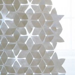 Designer Mia Cullin creates these TYVEK-made 'Flake & Flower' pieces that can be joined together to form the shape of screen you like in 3-dimensional, totally flexible & interesting.