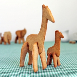 Suck UK's 3D Safari Cookie Cutters: lion, giraffe, elephant and rhino to collect