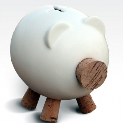 The Gorrinucha piggy bank was designed by Milrayas & Ceramics San Gines for a contest in Spain.  Originally it was never planned to put it into production, but the demand has been so high that they are getting a batch ready for Christmas.