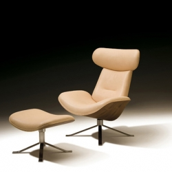 Vatne Hawk, by designer Olav Eldøy, is a modern version of Charles Eames classic lounge chair and ottoman