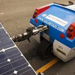 The Solar Taxi, a Swiss man's creation on an around the world voyage... 100% sun powered!