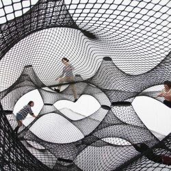 Net Blow up is a new project by Numen/ForUse. The object is inflated till the outer surface reaches adequate tension for stretching the nets connected on the inner side of the object. This construction excludes any use of additional structure.
