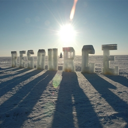 Beautiful Ice Typography installations by environmental artist Nicole Dextras. Their ephemeral quality emphasize the collective physical and psychological experience of flux and change.
