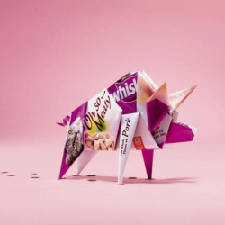 Nice idea of origami for the new campaign of Whiskas.