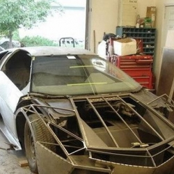 Amazing Do-It-Yourself Lamborghini Reventon !