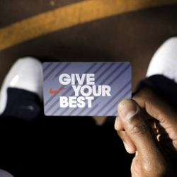 Nike Brand Design : a simple piece crafted around the concept of gift card.