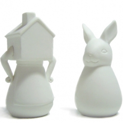 Imm Living Shake Me Salt + Pepper Shakers designed by Flora Lam. As sassy as ginger… they told me you had to be her. Alice and Wonderlandesque.