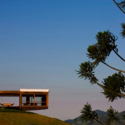 Casa Grelha by FGMF among the awarded projects for the Brazilian Premio Asbea Arquitetura.