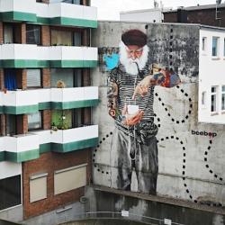Streetart: FischersNetz Mural by Innerfields in Hamburg / Germany.