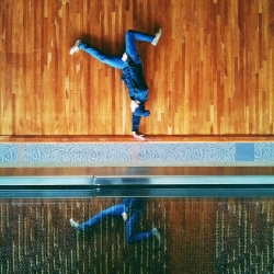 Instabreakin - A beautiful photo series dedicated to artful breakdancing photos in beautiful settings.