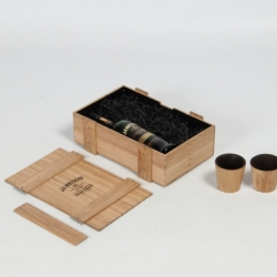 Makers & Brothers teamed up with The Social House, Designgoat and Joe Laird to create bespoke charred oak tumblers and oak boxes for Jameson Special Reserve whiskey.