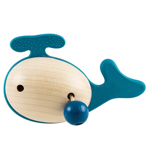 Little Big Things Whale Jon0+ is part of a series of grasping toys for babies. Made from genuine wood and all-safe TPE, little hands can discover different shapes and materials. The soft plastic parts helps sooth the gums when the baby is teething.