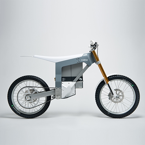 A light, silent and clean electric off-road motorbike, the CAKE KALK encourages outdoor exploration with responsibility and respect.