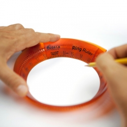 Ring Ruler is the first size-adjustable circular ruler. Expands/contracts to the desired size and displays diameter, arc length/circumference and degrees.